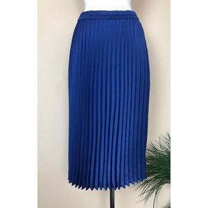 XIRENA FARAH PLEATED SKIRT IN MALIBU M